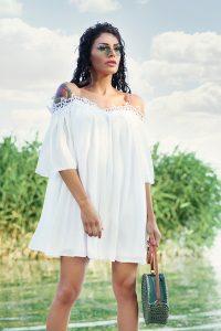 kysa-lqtna-roklq-bqla-s-dantela-efirna-ejednevna-oficialna-summer-trend-white-dress